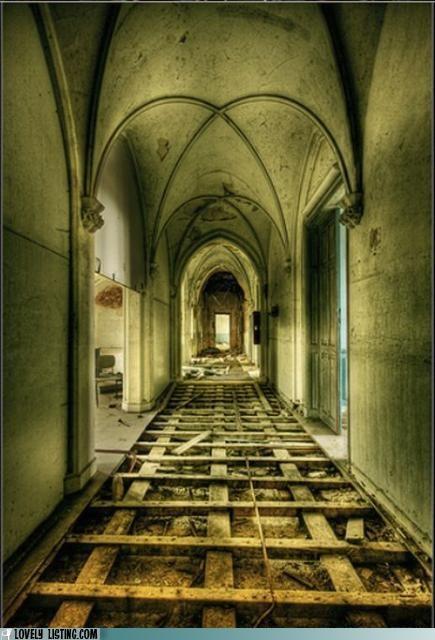 abandoned,hallway,spooky