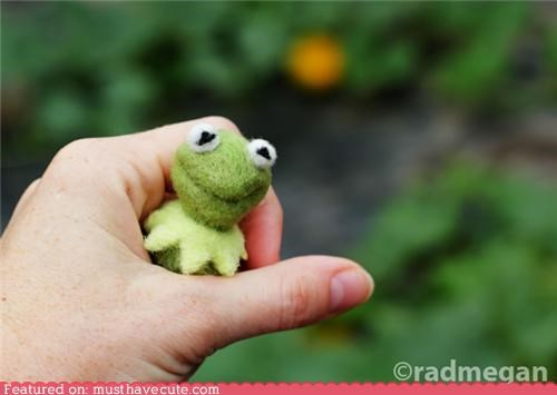 craft felted kermit muppets needle felted wool