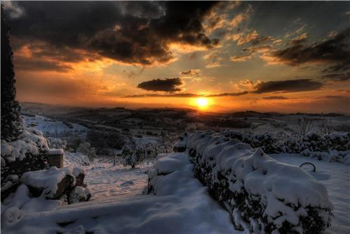clouds europe getaways Italy snow snow blanket sun tuscany winter - 5195788800