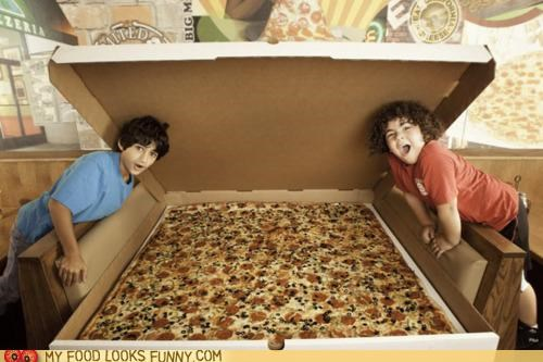 box,children,giant,huge,pizza