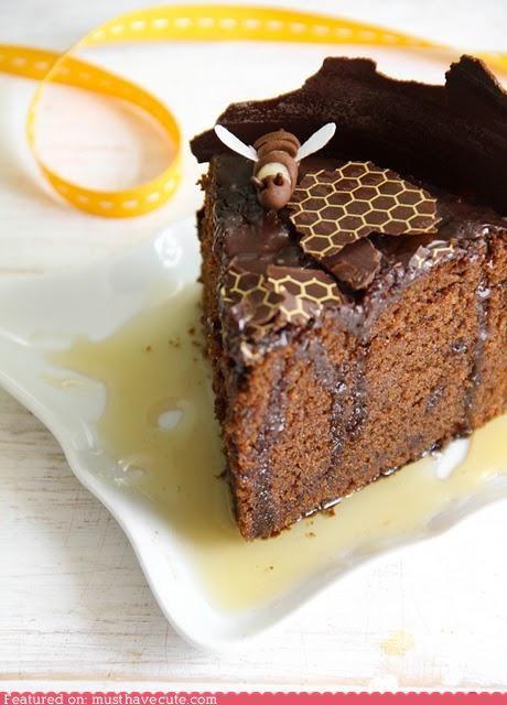 bee cake chocolate epicute honey honeycomb pattern