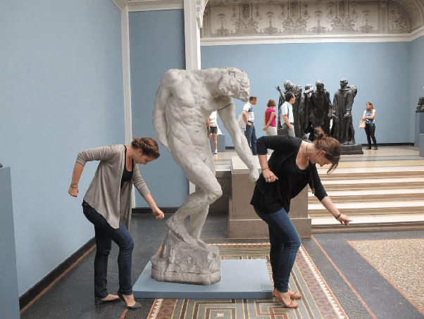goofing people statues photos funny - 5221637