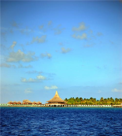 asia blue clouds getaways horizon indian ocean maldives ocean peaceful serene sky southwest asia water
