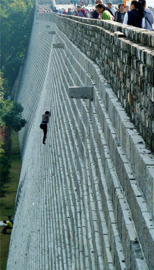 Everybody Needs A Hobby,Zhonghau Castle