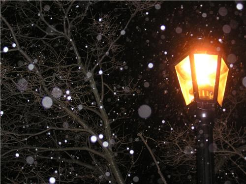 getaways lamp lamp post light night night photography snow unknown location - 5332834304