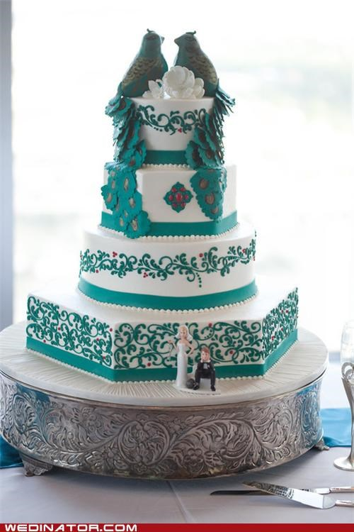 cake,funny wedding photos,peacock,wedding cake