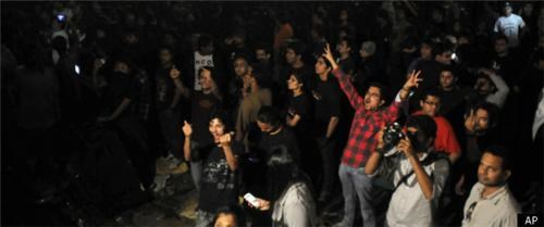 canceled,concert,fans,india,metallica,riot,show