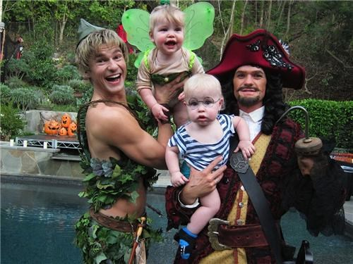 david burtka halloween Neil Patrick Harris peter pan twins