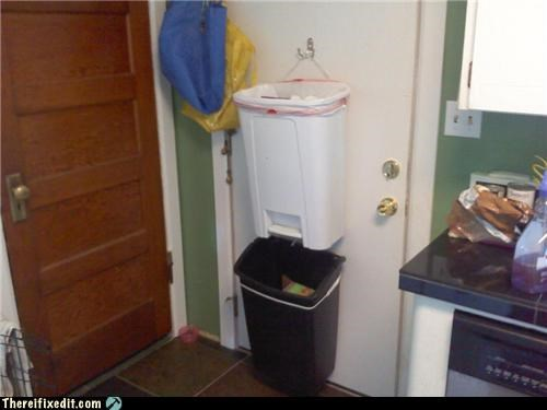 garbage holding it up neat - 5391442432