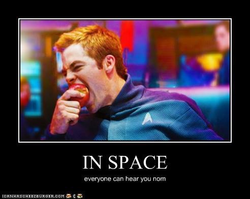 apple,Captain Kirk,chris pine,nom,space,Star Trek