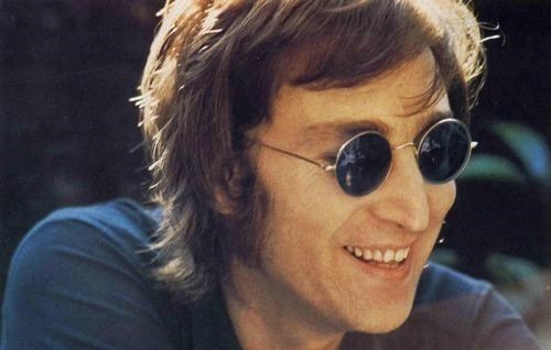 auction,celeb,dentist,john lennon,Michael Zuk,the Beatles,tooth