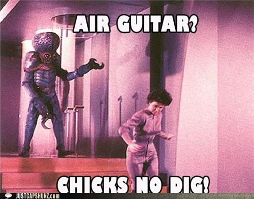 air guitar,alien,chicks,chicks-dont-dig-it,Guitar Hero,historic lols,run,vintage