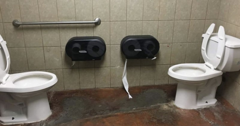 bathrooms FAIL Awkward funny toilets - 5414149