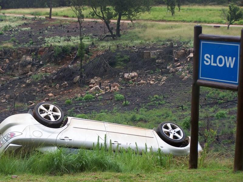 cars,crash,flip,sign,slow,upside down