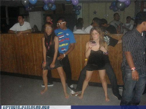 club dancing dont-care grinding texting - 5424678400