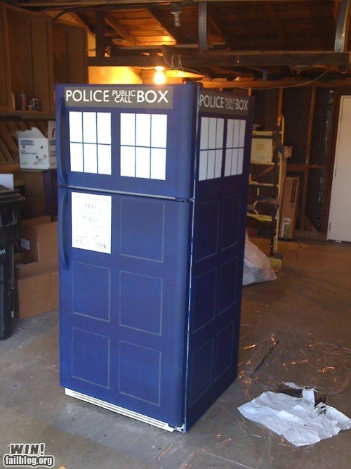 appliance DIY doctor who fridge nerdgasm recycle repurposed tardis