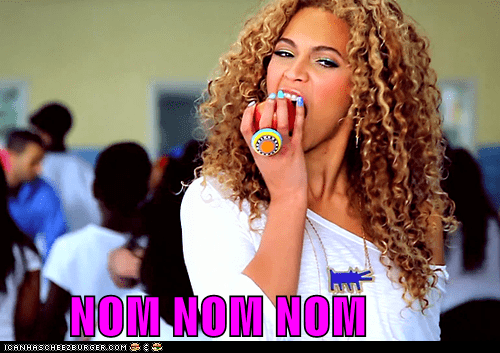 apples,beyoncé,eating,food,musicians,nom nom nom,noms