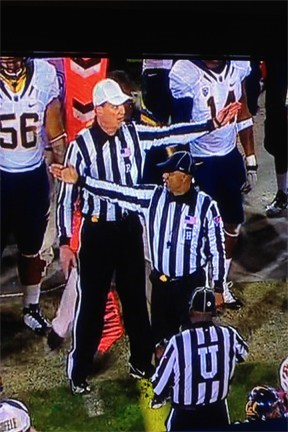 football,nfl,pointing,referee,sports,thataway