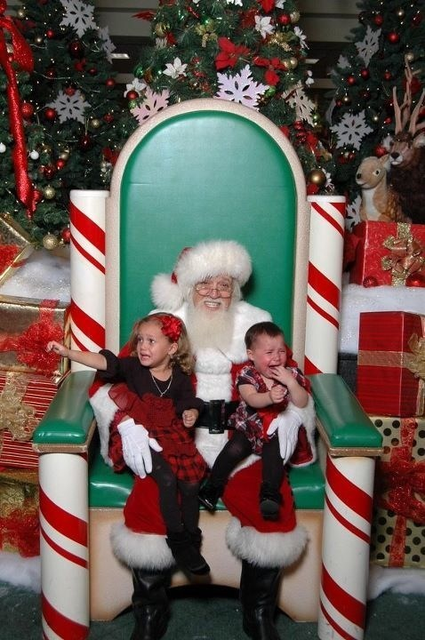 cry-baby-cry crying grin Hall of Fame mall pain santa screaming smile - 5472918784