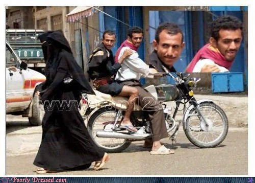 burka checking her out See that ankle - 5474885376