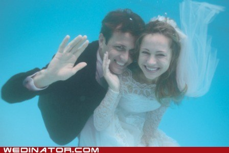 bride,funny wedding photos,groom,underwater