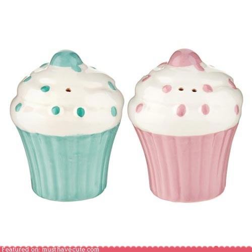 ceramic cupcake salt and pepper shakers table - 5493493760