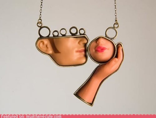 Barbie chain face hand Jewelry KISS necklace pendant - 5496450304