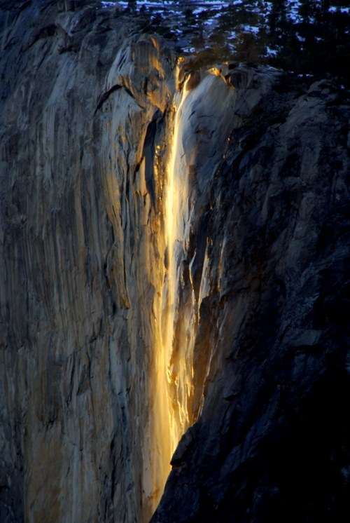 destination of the week first class ticket getaways horsetail falls waterfall Yosemite national park - 5500163584