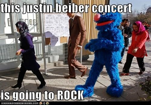 awesome,concert,costume,excited,grover,im-sexy-and-i-know-it,justin beiber,sesamee street