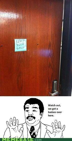 Badass door open - 5531176704