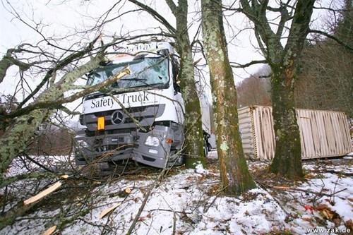 cars crash irony truck - 5540938496