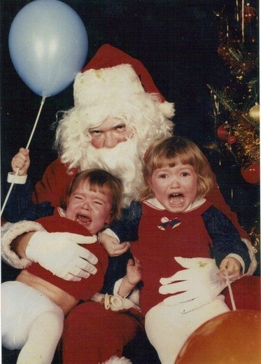 baby creepy smile cry-baby-cry crying Hall of Fame mall santa siblings smile - 5546324992