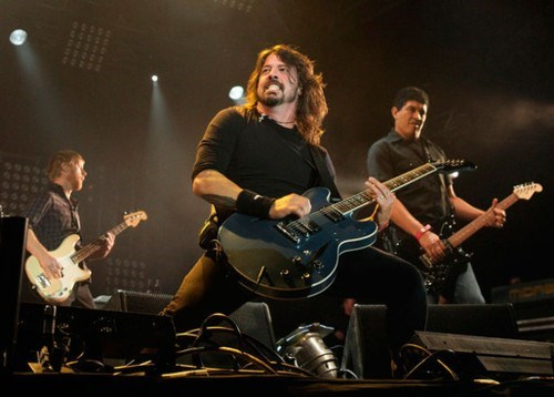 auckland foo fighters rock and roll the best