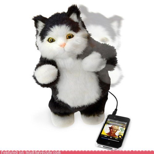 animatronic,cat,dance,ipod,robot,speaker,toy