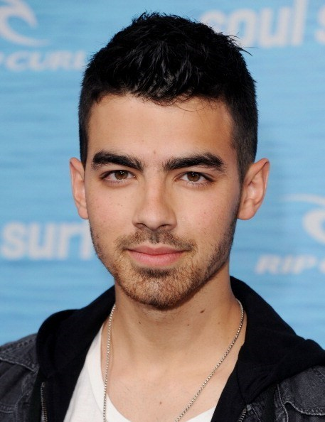 celeb,emergency room,hospital,Joe Jonas,Nick Jonas