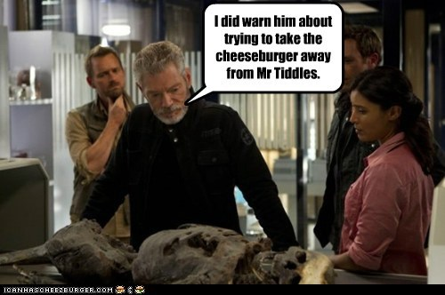 cat,cheeseburger,commander taylor,skeleton,Stephen Lang,terra nova