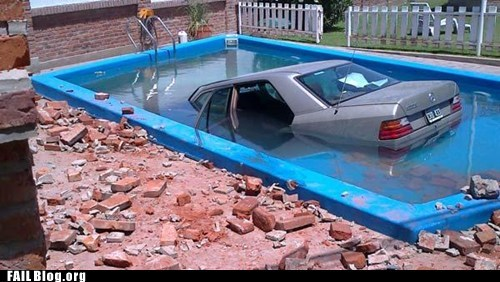 cars crash pool water wtf - 5600208128