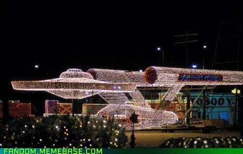 christmas lights enterprise It Came From the Interwebz Star Trek winter - 5600657408
