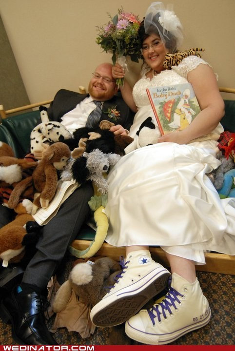 books bride funny wedding photos groom librarian - 5617337600