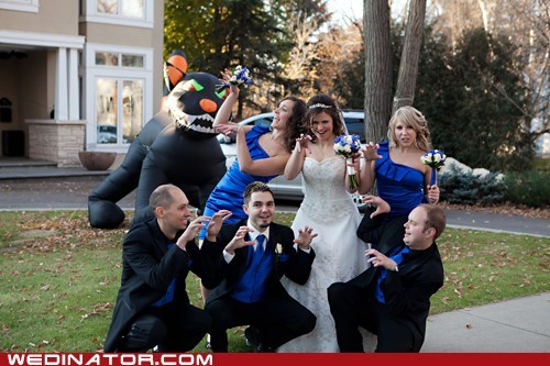 bride bridesmaids funny wedding photos giant cat Groomsmen halloween pose