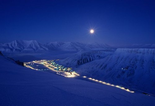 getaways,moon,night,night photography,Norway,scandinavia,snow,winter