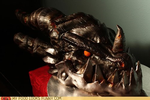 cake deathwing dragon head scary world of warcraft WoW