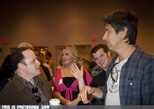 celeb Celebrity Edition Everybody Loves Raymond photobombs sitcom stars - 5648946944