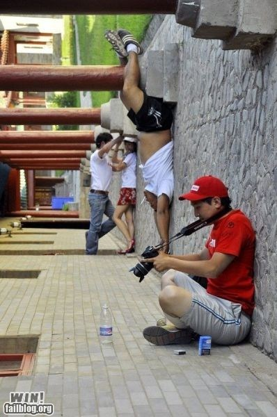 clever,Gravity,perspective,photography,tricky,Wait For It