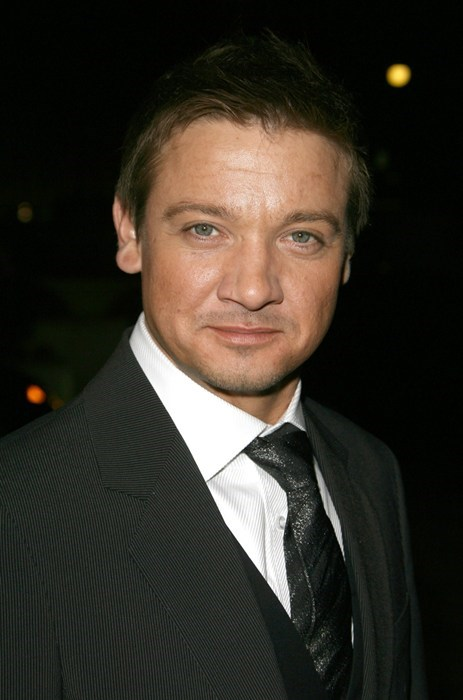 bar brawl celeb fight Jeremy renner - 5653744128