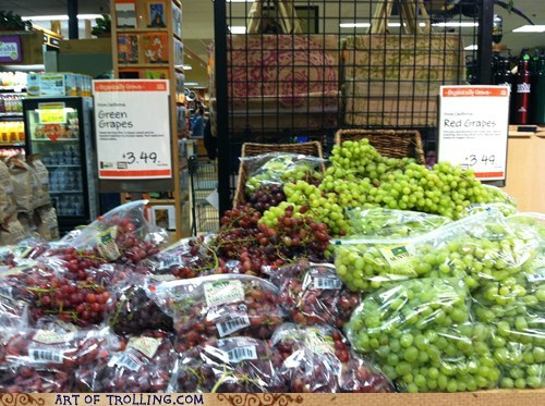 grapes grocery IRL sign - 5668966656