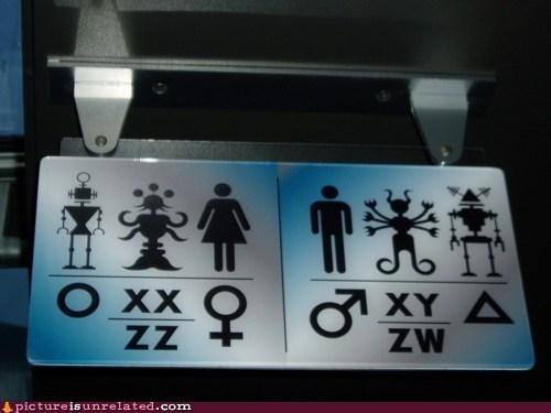 Aliens bathroom robot sci fi wtf - 5670767360