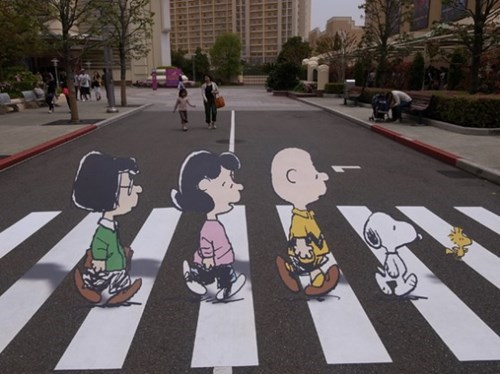 abbey road,charlie brown,comic,comic strip,hacked irl,peanuts,snoopy,Street Art