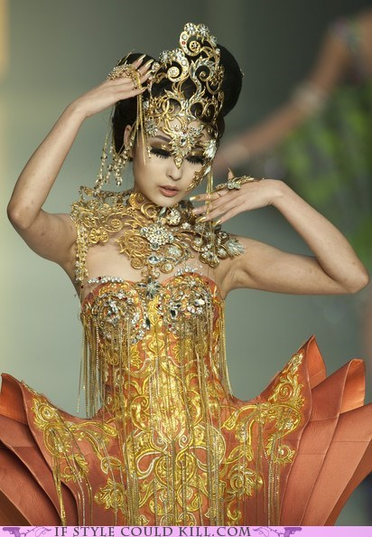 best of the week,cool accessories,guo pei,lotus,runway