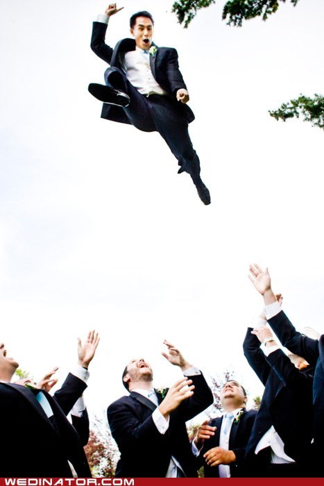 funny wedding photos groom Groomsmen throw toss - 5714707968